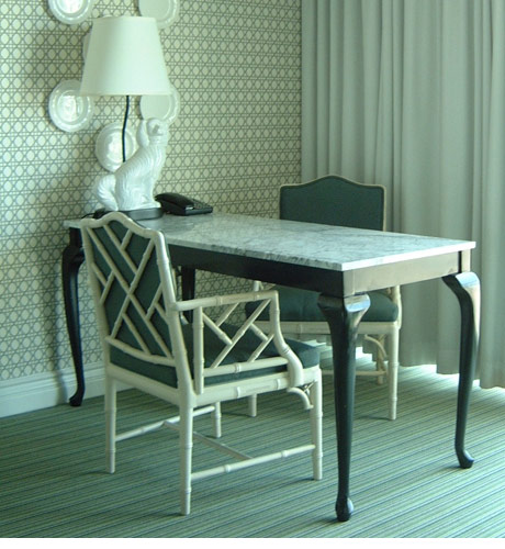 Viceroy hotel desk