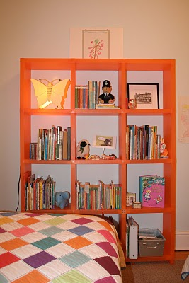 Orange Cubitec in blue room