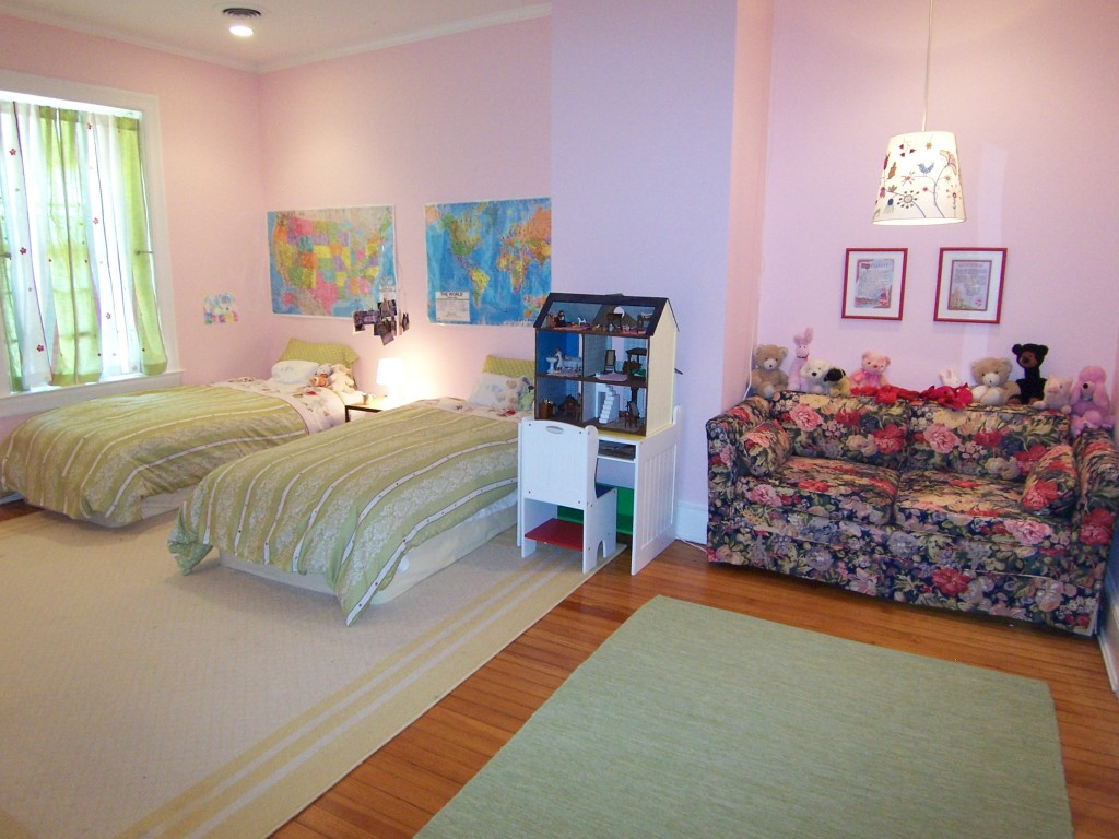 Girls' pink bedroom