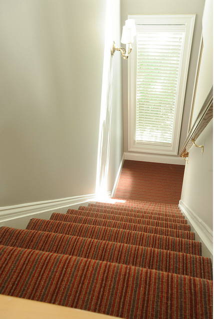 Wall-to-wall stair runner