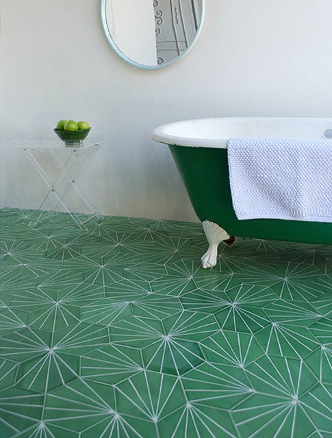 Pantone's color of the year 2013: Emerald Green tile and bathtub