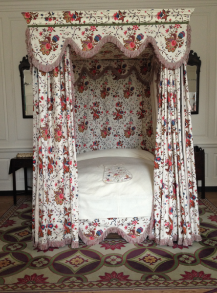 Canopy beds at Colonial Williamsburg | bossy color Annie Elliott ...