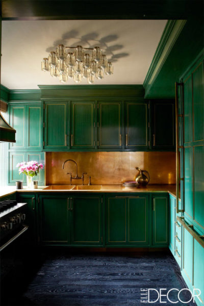 Merveilleux Cameron Diazu0027s Glamorous NYC Kitchen With Green Cabinets And A Brass  Backsplash, Designed By Kelly